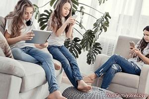 23% of adolescents show symptoms of addiction to new technologies