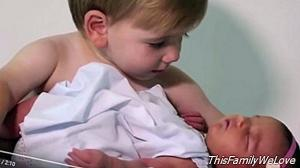 Video: 6 brothers receive the first girl in the family