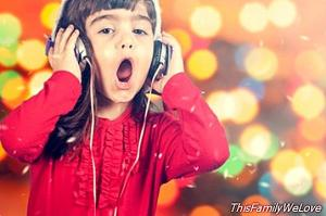 10 Christmas carols to sing with children