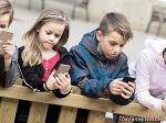 Reduce screen hours to ensure the well-being of minors